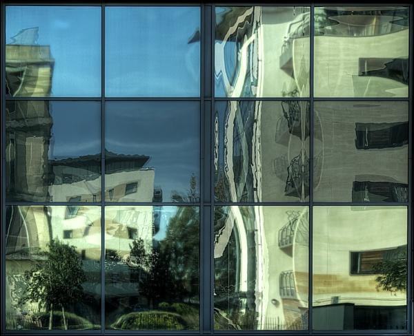 Window by PEELO