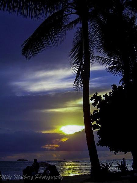 Hawaiian sunsets by mike_malburg