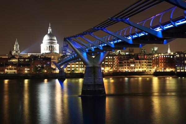 Millennium Bridge by cheesefather