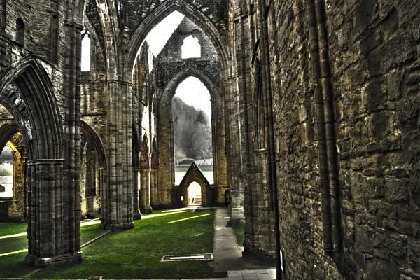 Tintern Abbey by Doug1