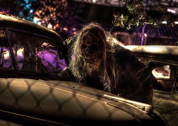 Junkyard Zombie by hirschi