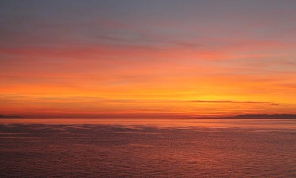 sunrise by loobylyn