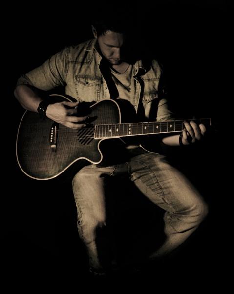 muted guitarist by AmyThomasPhotography