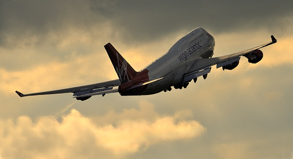 747 by MikeMar