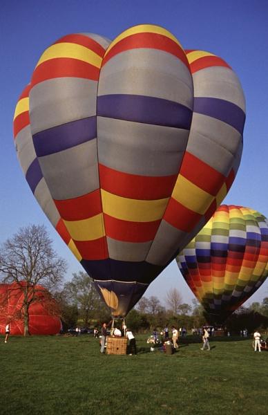 Balloon Meet by jinstone