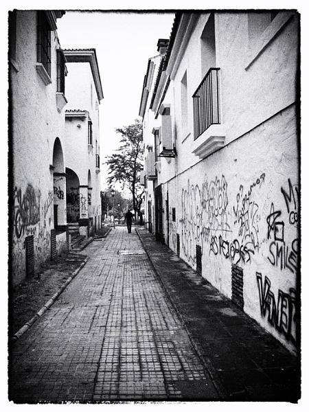 Street in Pueblo Nuevo by jaylou