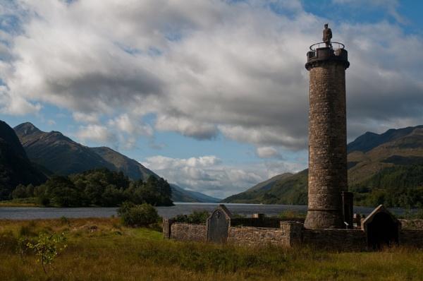 Glenfinnan Monument at Loch Shiel by d55p