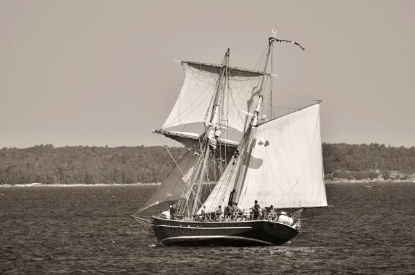 Sailing Lake Huron by 1nikongirl