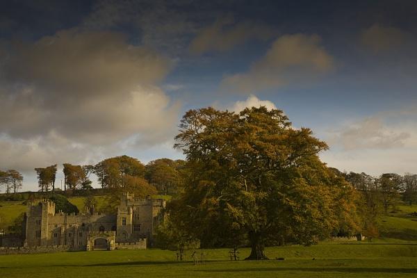 Autumn at Featherstone by danbrann