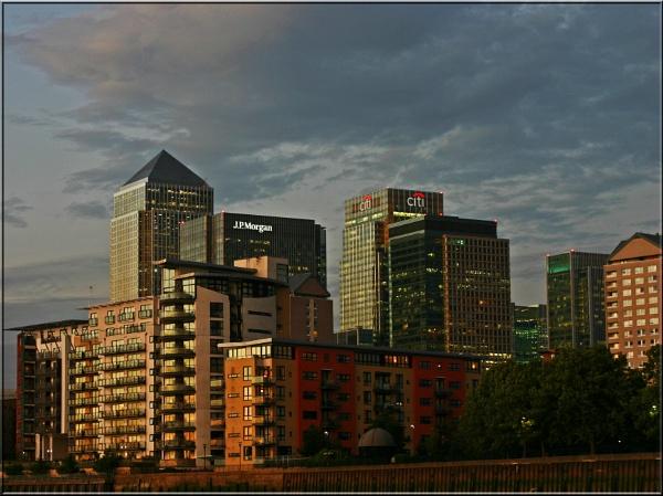 Canary Wharf by CraigSev