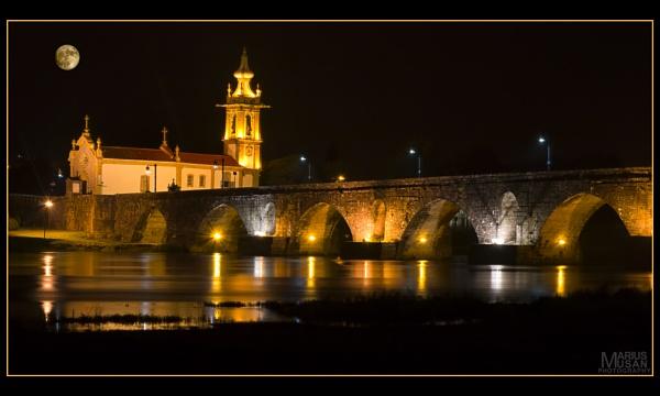 Ponte Velha do Rio Lima by DiazSprite