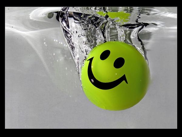 \'Smiley\' Swimming by JohnAStevens