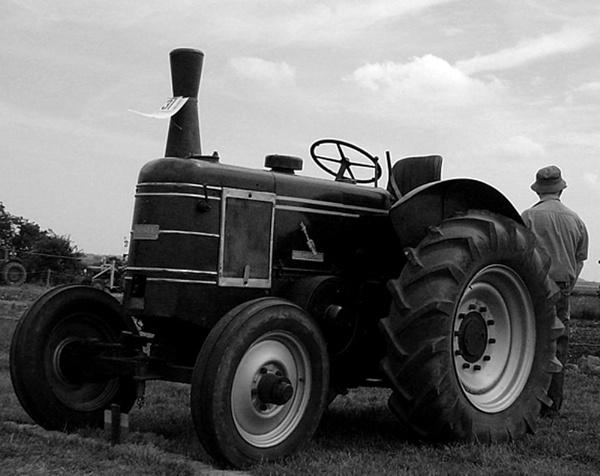 old tractor by l1z