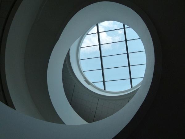 Through the round window by flupitt