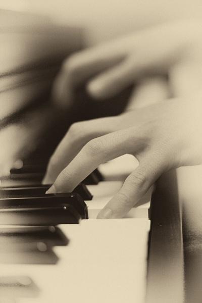 Piano practice by brianaskew