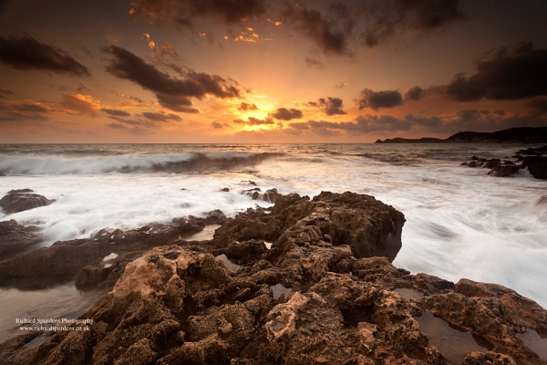 Stormy dawn by Richsr