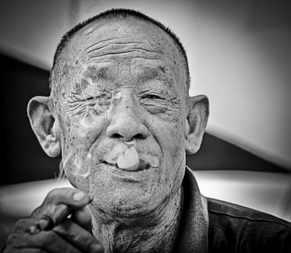 The Smoker by JPV