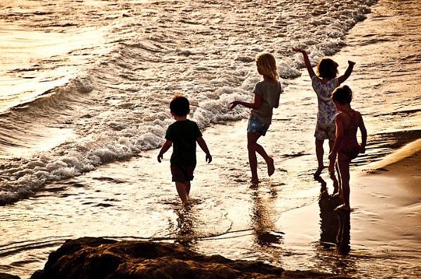 Seaside holiday by watsonle