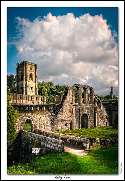 Abbey Ruins by twelvemegs