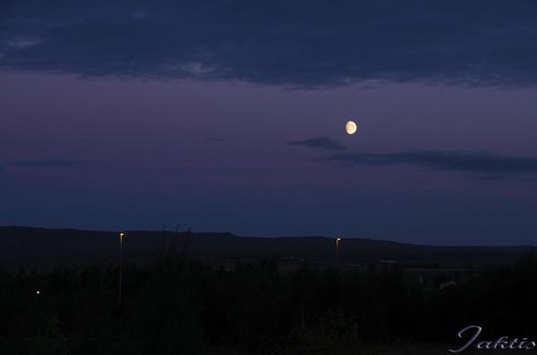 Geysir moon by jaktis