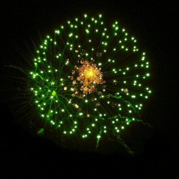 Green firework by SH87