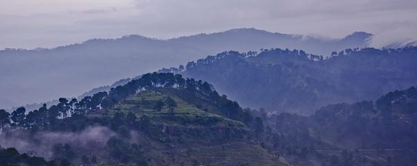 Himalayan Range by pradipdasgupta