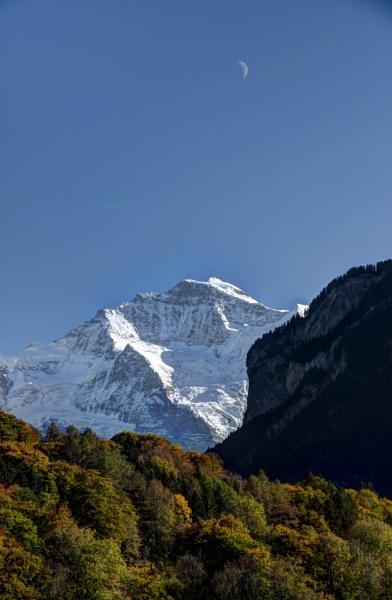Moon over Jungfrau