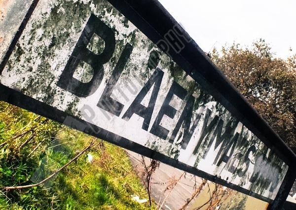 Street Sign by Bingsblueprint