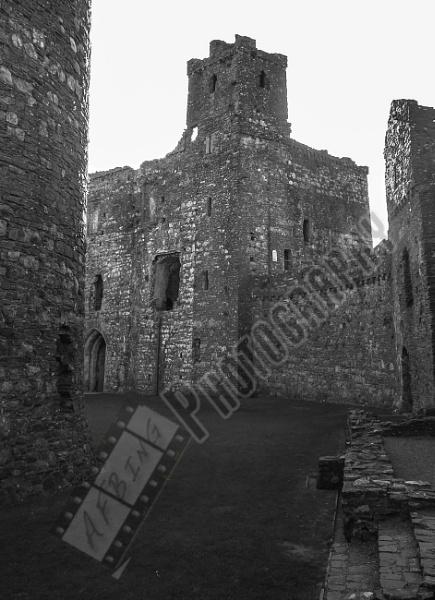 Kidwelly Castle by Bingsblueprint