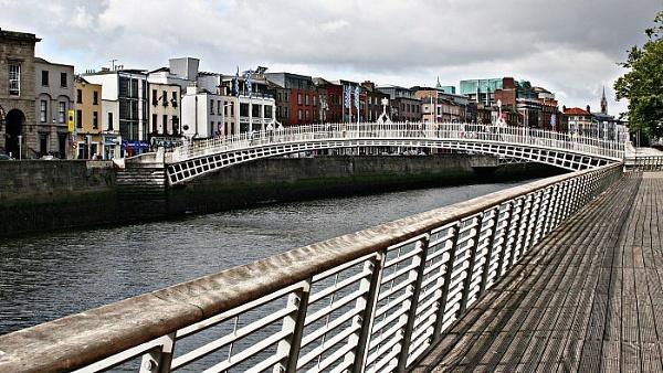 Ha Penny Bridge, Dublin by gardenersteve