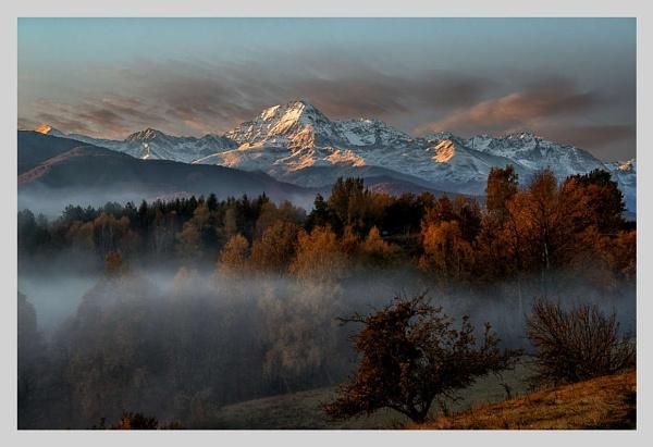 More Autumn mist by Escaladieu