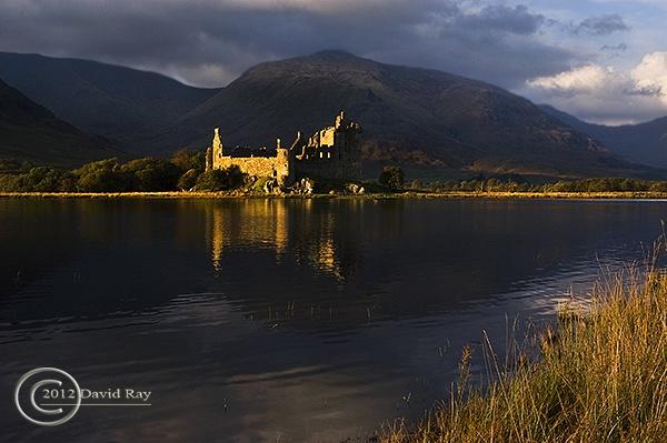 Kilchurn Castle by DARPhotography
