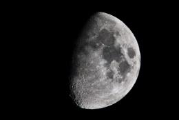 (moon-) satel-lite