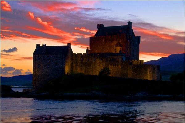 Eilean Donon Sunset by dven