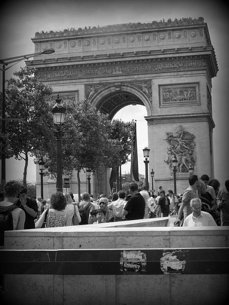 Arc De Triomphe, Paris by gardenersteve