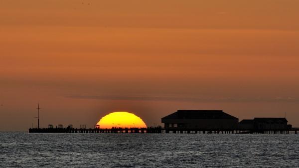 Sundown by nik50