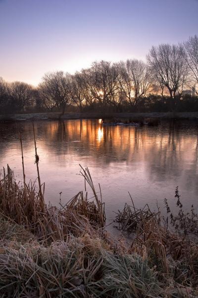 Charlton\'s Frozen Pond by tonyb73