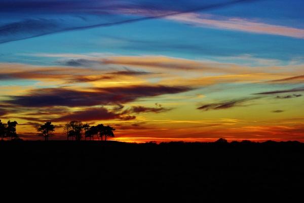 Sun on the Horizon by breakawayfromme