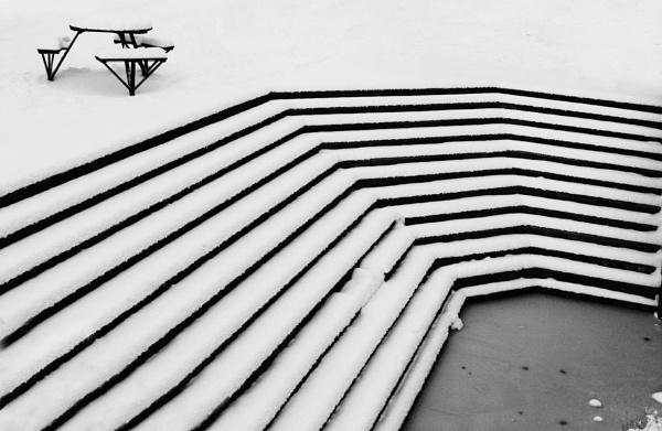 Snowy Steps by redsnappa
