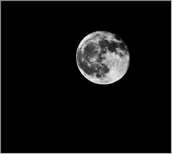 2nd Moon by strokebloke