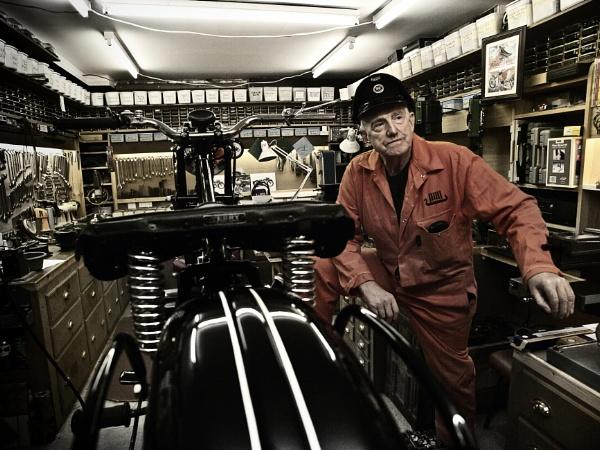 Drewie - Vintage Motorcycle Restorer by dazzi_b