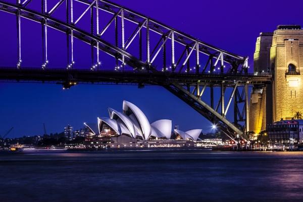 Opera House by OzzyApple
