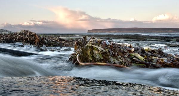 Dunnet Beach by ErictheViking