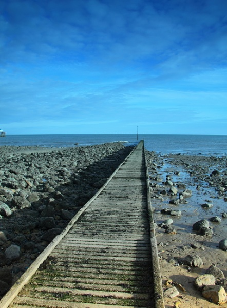 A path to the sea by Fotofloppy