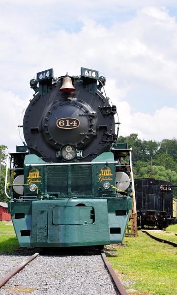 Steam engine 614 by HectorRivera