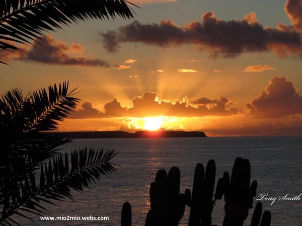Lanzarote Sunrise by mio2mio