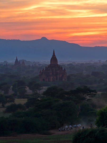 Sunset over Bagan by Jasper87