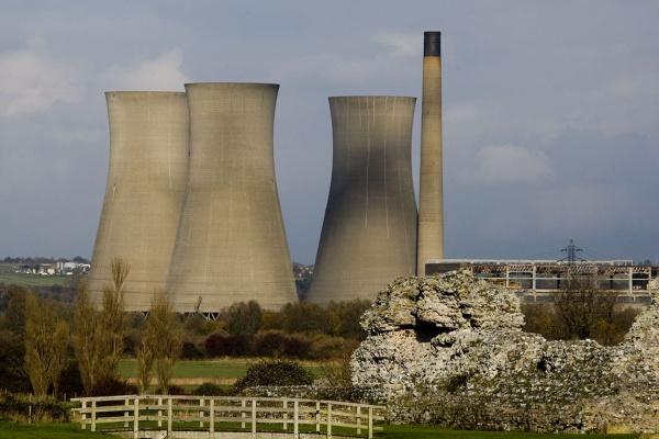 Richborough Power Station by kentbirder