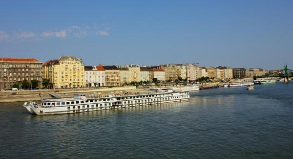 A riverfront in Budapest by kumarav23