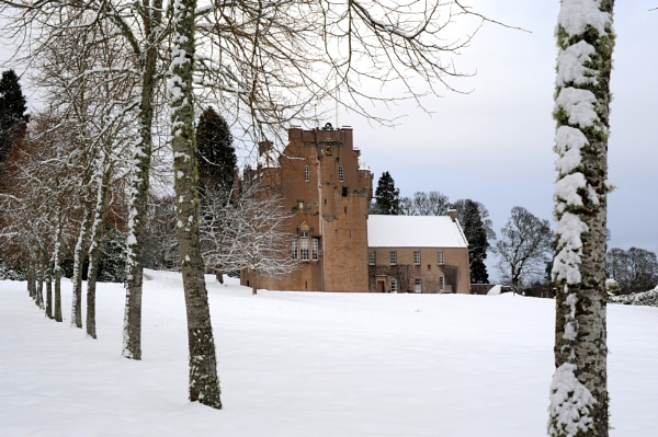 Crathes Castle in the Snow by cisco4611